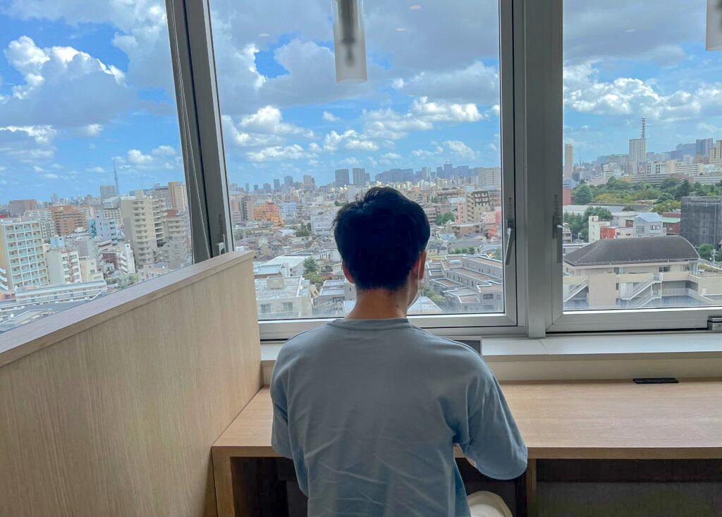 大都会Tokyoを眺めながら作業中